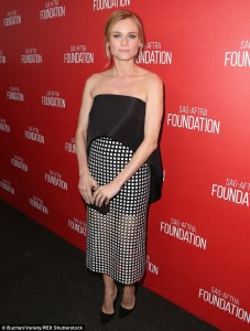 2E2868D900000578-3306481-Smart_and_sexy_Diane_Kruger_exuded_confidence_in_a_contemporary_-a-2_1446797227432